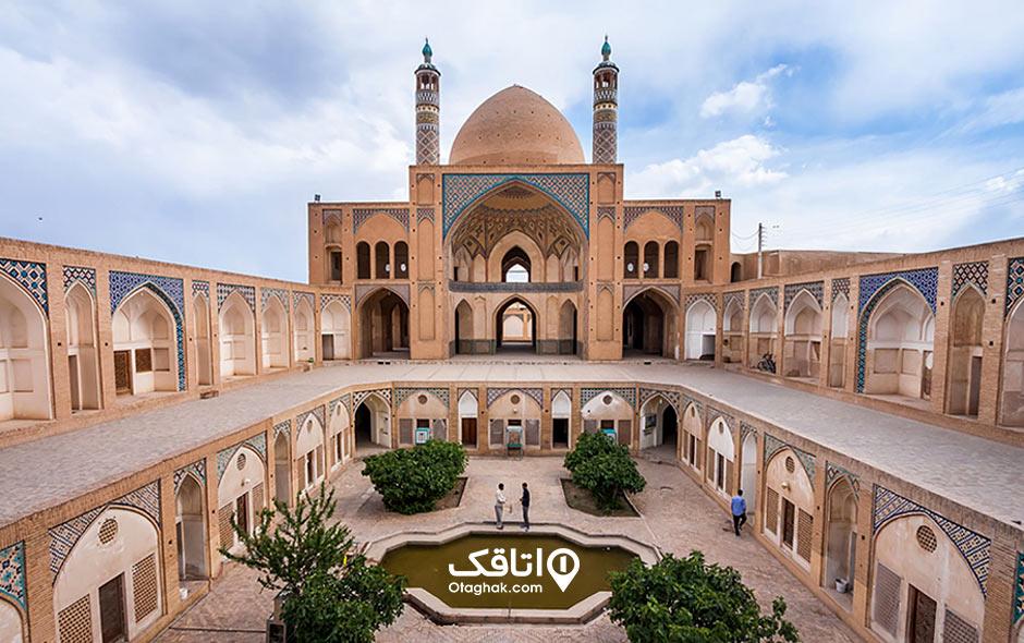 مسجد و مدرسه آقا بزرگ کاشان