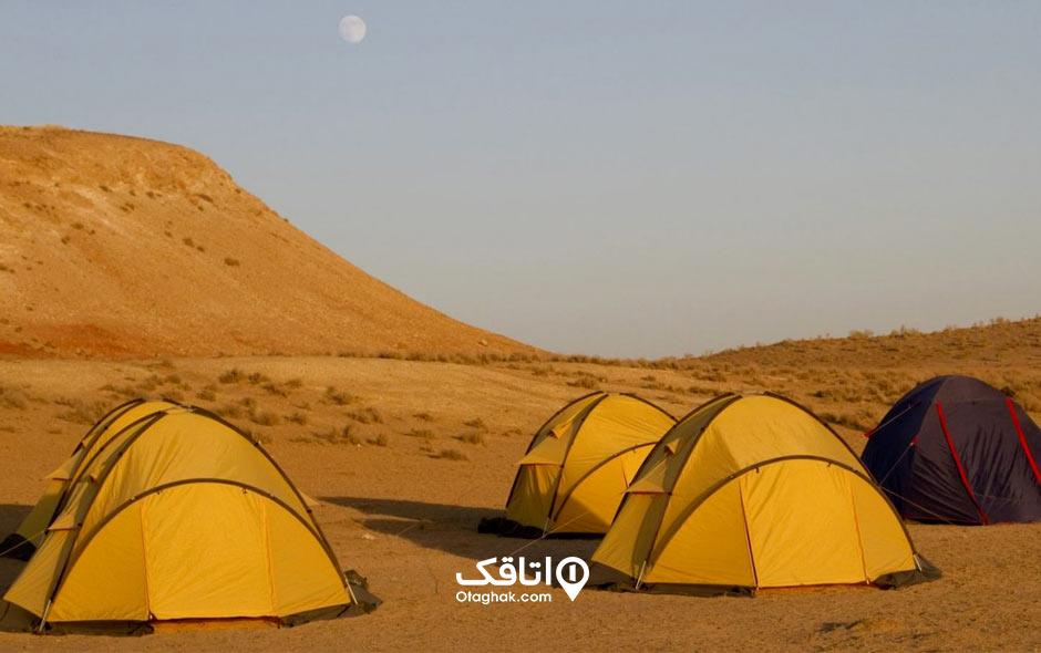 کمپ در کویر