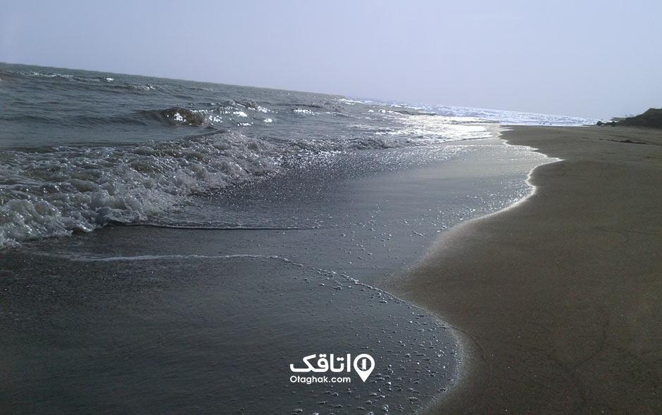پلاژ ساحلی عباسآباد