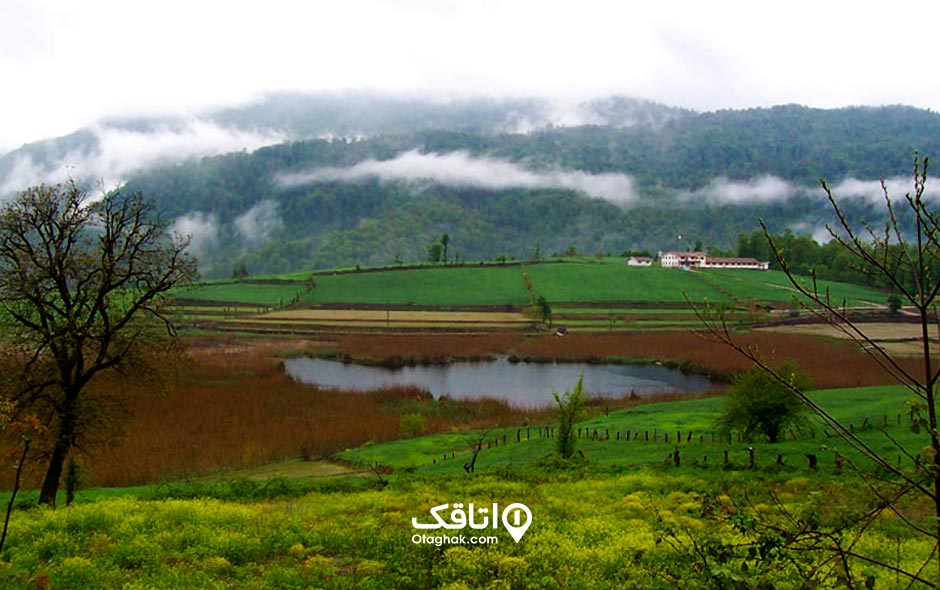 جاذبه گردشگری دریاچه استخر پشت