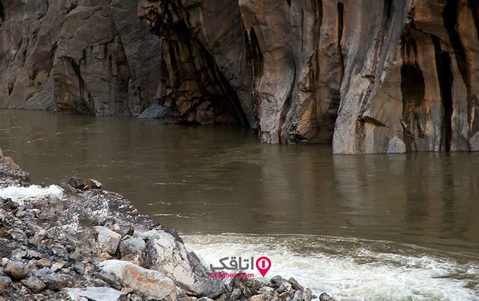 چشمه آب معدنی بل