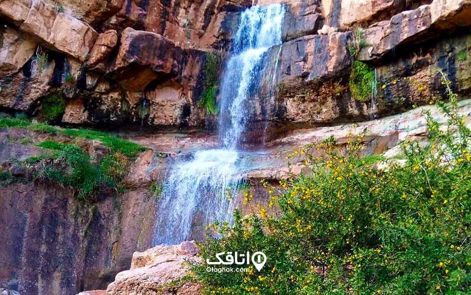 آبشار دره آبشتا نراق