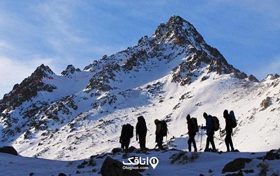 رشته کوه الوند، مرز بین همدان و تویسرکان