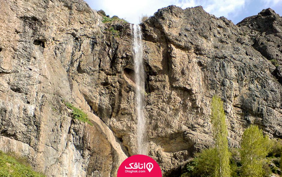 آبشار نزدیک تهران