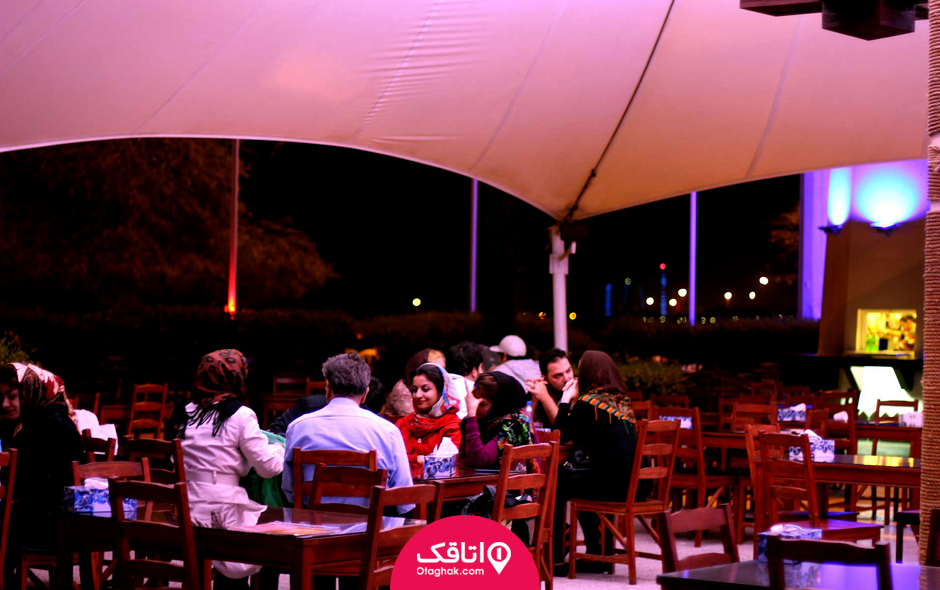 رستوران توتی فروتی