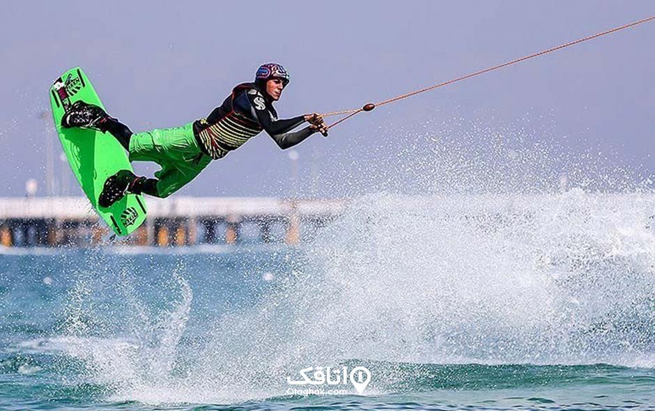 اسکی روی آب یا کیبل اسکی تفریح مهیج در دریا